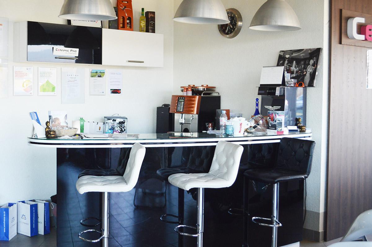 garage des marais qui sommes nous. Black Bedroom Furniture Sets. Home Design Ideas